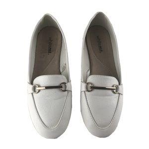 EUC WHITE MOUNTAIN Women's white loafers size 7